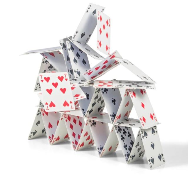 korttitalon romahdus